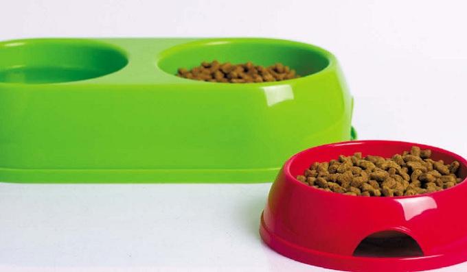 Пластиковые миски для кошки