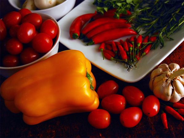 Каротиноиды придают окраску большинству оранжевых овощей и фруктов